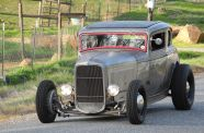1932 Ford 5 Window Coupe View 11